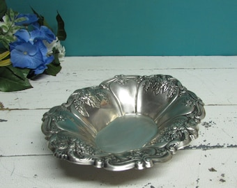 Silver Plated Candy Dish ~ Silver Trinket Dish ~ Vanity Table ~ Great Condition ~ Lovely Detail
