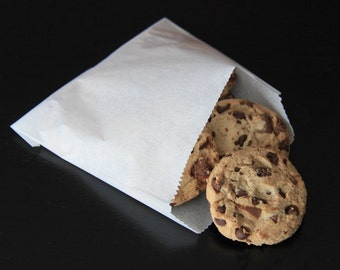 "5"" x 4-1/2"" White Paper Cookie Bags - 50 Quantity"