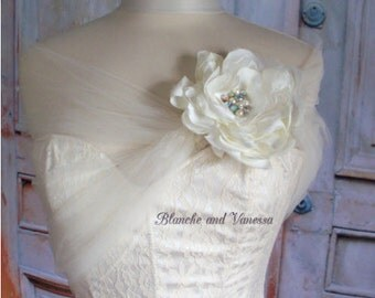 Ivory Tulle Bridal Wrap Tulle Shoulder Cover With Flower  Brooch Tulle Bolero Tulle Caplet Ivory Shawl Tulle Shrug Prom Shawl