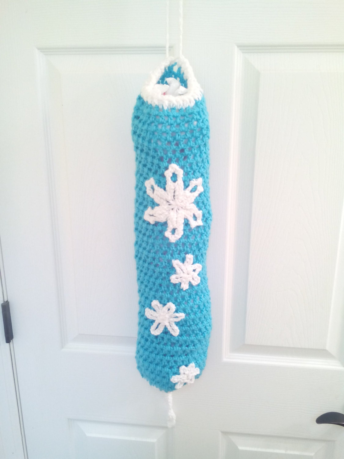 snowflake plastic bag holder crochet plastic bag holder bag. Black Bedroom Furniture Sets. Home Design Ideas