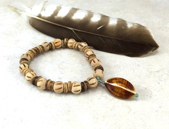 Shell Bracelet, Beach Jewelry, Bohemian Bracelet, Wood Jewelry, Hippie Bracelet, Hipster, Boho Jewelry, Yoga Jewelry, Casual Jewelry