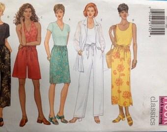 Simplicity 5577 Misses/Misses Petite Skirt, Shorts & Pants