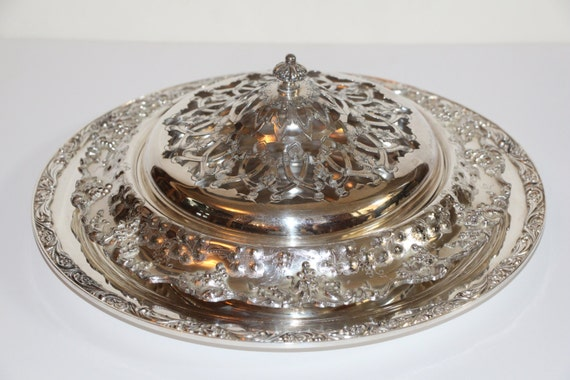 Ornate Barbour SP & Co Repousse Lattice Silver Plate Receiver WIth Underplate