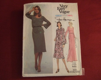 Vogue American Designer 1523 size 14 Cut and complete