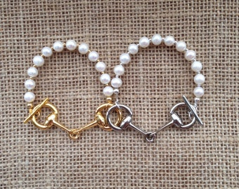 Freshwater Pearls and Snaffle Bit Bracelet, White - Available in Silver or Gold - Equestrian - Horse Lover Gift - Equestrian Gift