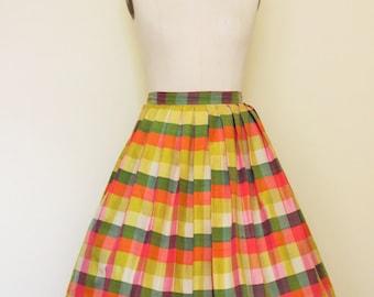 Vintage 50s Circle Skirt / 1950's Checked Silk Full Skirt  / Vintage 1950s Skirt  / Pastel Plaid Skirt / Pleated Skirt / 25 Inch Waist