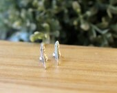 Sterling Silver Feather Stud Earrings, Feather Cartilage Stud, Sterling Silver tiny stud earring, Silver Post, Leaf Stud Earring, Cartilage