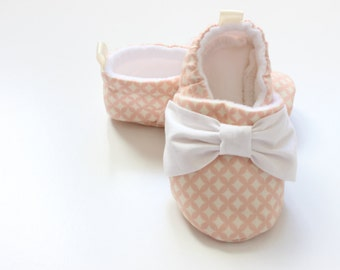 dusty pink diamonds with bows - baby girl shoes, Fabric Baby Booties