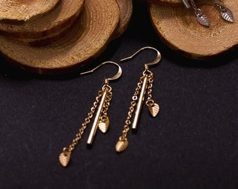 CLEARANCE earrings small leaves gold