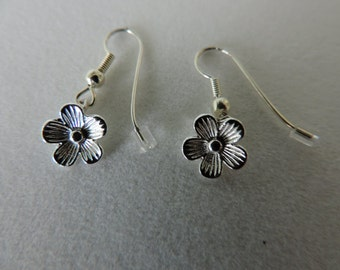 Daisy Earrings,  Silver Daisy Earrings,