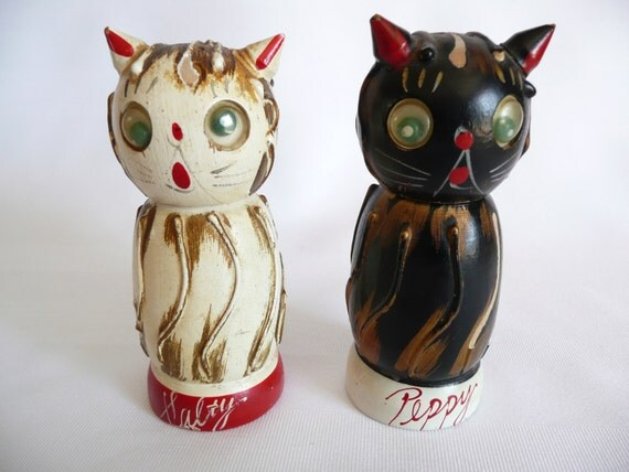 Black And White Cat Salt And Pepper Shakers