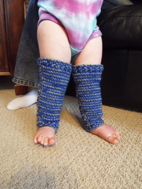 Baby Leg Warmers I happen to think that few things are as cute as chubby baby legs, unless of course those chubby baby legs are dressed up with fancy leg warmers! My girls have some BabyLegs leg warmers (which we all love), but, being a knitter, I wanted to be able to make my own.