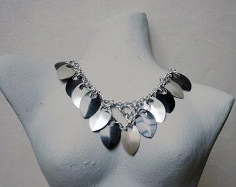 Necklace silver - black