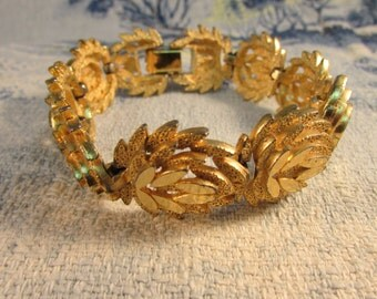Vintage bright vermeil gold-tone three-dimensional leaf bracelet