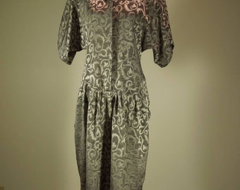 SALE! Vintage Dress. Dawn Joy Size 7/8. Full Short Sleeve. Drop Waist.  Two-Tone Grey Print.