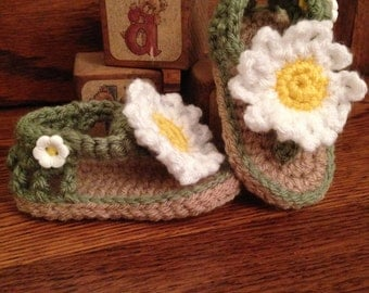 Flower Child Sandals green with daisy