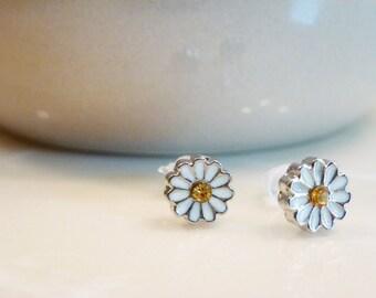White daisy plastic post earrings for sensitive ears