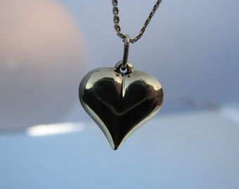 14K Yellow Gold Heart Vintage Necklace