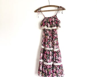 Vintage 1970s Boho Dress / Tiered Lace Gypsy Dress / Size Small