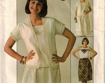 Vintage 70's Sewing Pattern, Misses' Skirt, Pullover Top, Size 6 and 8