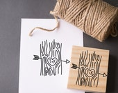 Initials in Tree Stamp , Tree Trunk Cupid Arrow Wood Grain - Custom Rubber Stamp for Save the Dates Weddings Newlyweds Favors