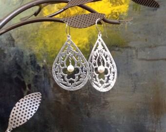 Long silver earrings, Long earrings silver, hoops silver earrings, long earrings, pearl earrings, tear drop earrings, dangle earrings,