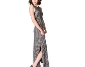 Herringbone Print Pleated Maxi Dress