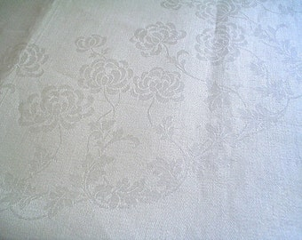 Uncut Irish Linen Napkins Fabric Unused Derryvale Set of Four White Vintage Napkins with Mums