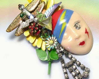 Upcycled OOAK Handmade Lady Face Brooch, unique face brooch with dragonfly, made with vintage jewelry, ooak face pin, clown jewelry
