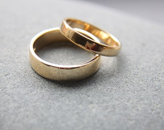 3mm + 5mm 18ct yellow gold wedding ring set, for him and her, featuring flat profile and shiny finish - made to order