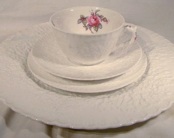 Spode Bridal Rose Y2862 4 Piece Place Setting