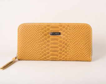 Embossed leather wallet, Yellow leather wallet, CUnique gifts for girlfriends mom, Zippered wallet,