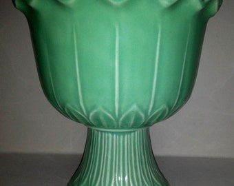 Red Wing Pottery 834 Planter Belle Kogan Green Scalloped Footed Flower Pot