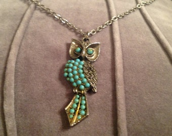 Lovely 1970s Owl Pendant | FREE SHIPPING