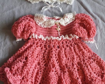 Crochet lace dress with bonnet - pink