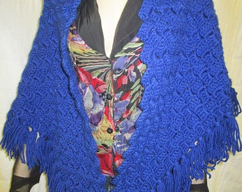 FREE SHIPPING // Vintage 60's SHAWLS / Hand - Knit / Red, White, And Blue / Fringed / Wrap / Bohemian / Triangle / Hippie / Hand Made