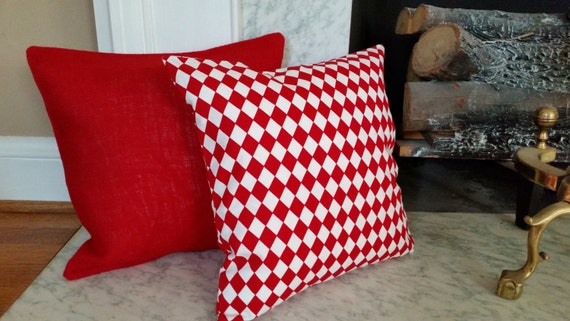 How To Make Removable Throw Pillow Covers With Velcro Closure : Red and White Diamond Pattern Pillow Cover with Velcro