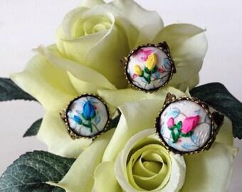 Petite Rosebuds Ring
