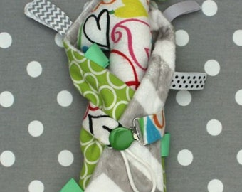 Baby Gift Bundle! Tag Blanket, Pacifier Clip, Rattle Giraffe!