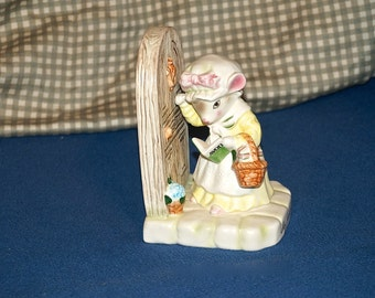 Vintage Precious Moments Ceramic Figurine Avon My First Call Sales Award Mouse