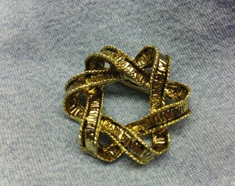 Vintage Gold Ribbon Brooch (1960's) #VJ-0055