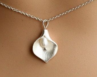 Calla Lily Necklace, genuine pearl, silver necklace, Bridesmaid Jewelry, Weddings jewelry