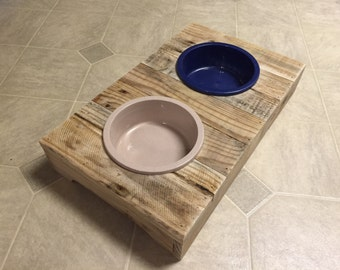 Pet Feeder Made from recycled pallets