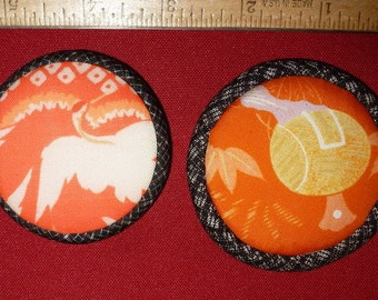 Vintage Japanese Fabric - Crane and Drum Brooches