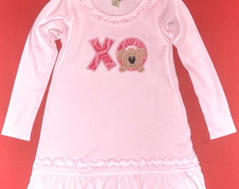 Toddlers Valentine shirt - Hugs and Kisses