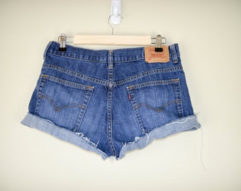 Cheeky Levis Shorts, Cut Offs, 90s Clothing, Denim Shorts, Vintage Clothing, Medium, Cut-offs, Boyfriend Shorts, Grunge, Jean Shorts