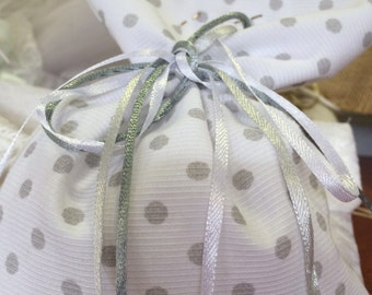 50 Handmade wedding or baptism favors.  Gift bags for parties. Greek wedding or baptism. Mπομπονιέρες γάμου. Ships everywhere.