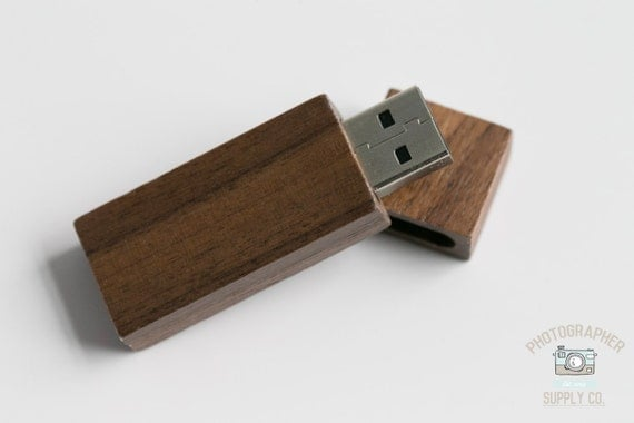 Wood/Wooden Mahogany USB Flash Drive 8GB Capacity with Magnet Top