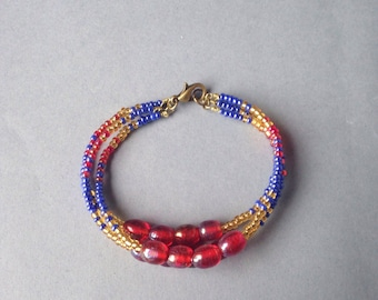 Bracelet adorned with rockeries beads and glass - Friendship Bracelet beads.