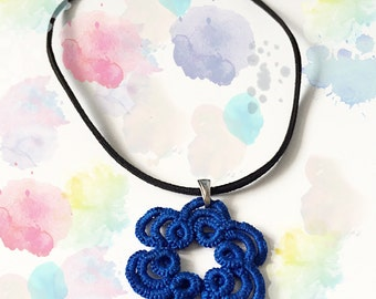 """Tatted pendant """"Waves"""""""
